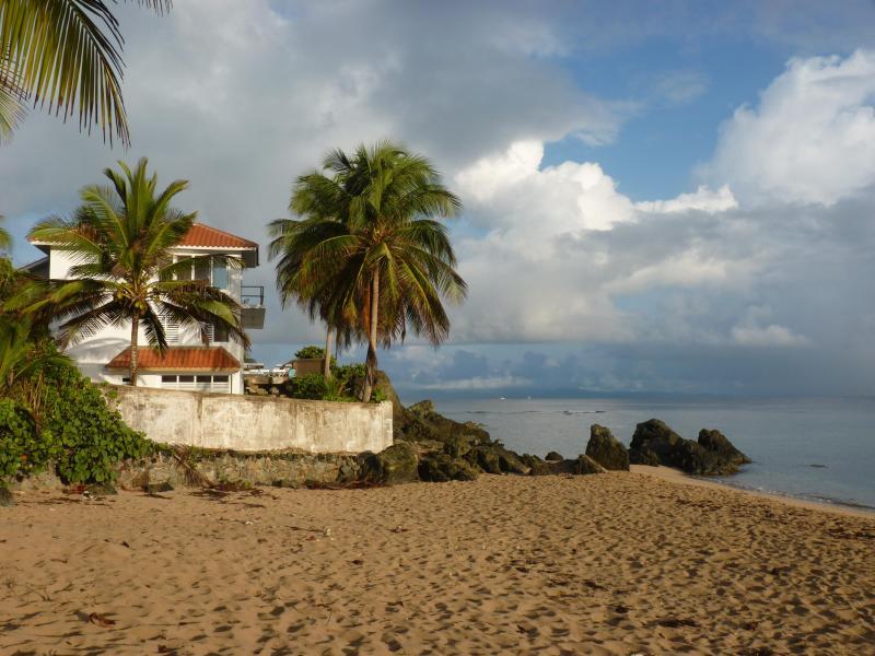 Las Piedras from the beach - Las Piedras Vieques, Beachfront Villa, pool - Isla de Vieques - rentals