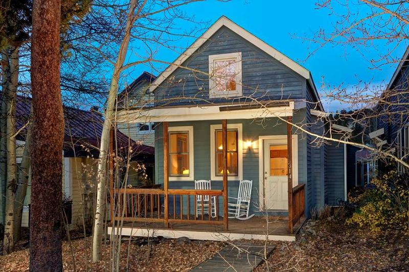 French St. Cottage - Shuttle to Lifts/Walk to Town - Image 1 - Breckenridge - rentals
