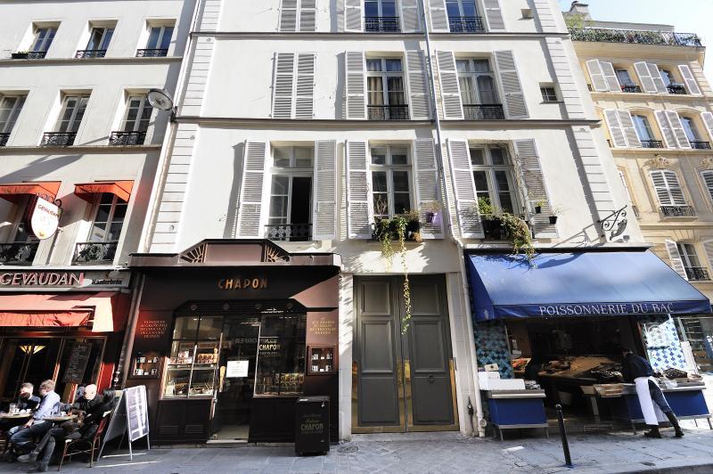 Classic 3 Bedroom Parisian Apartment at Rue du Bac - Image 1 - Paris - rentals
