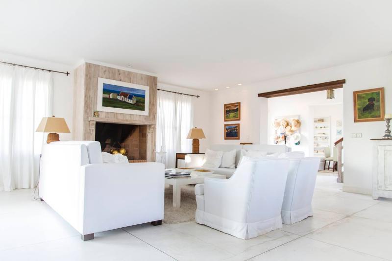Beautiful 4 Bedroom House Located in La Punta - Image 1 - Punta del Este - rentals