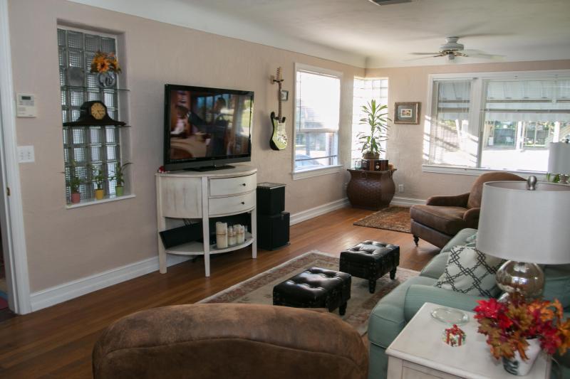 Living Room - Home $pecials - Vacation Home # 830 - Daytona Beach - rentals