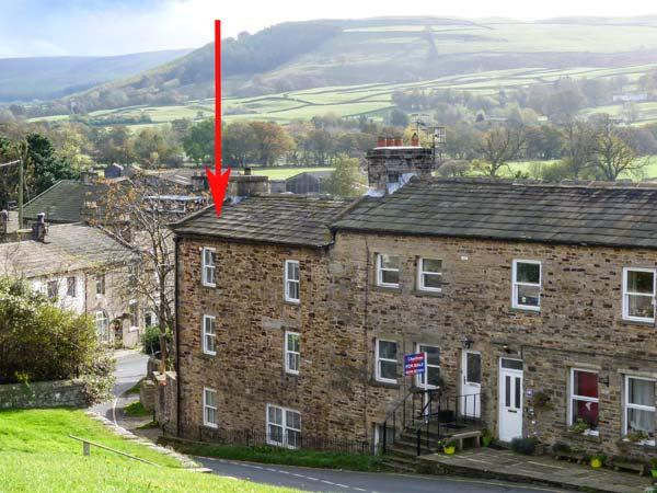 ALMA HOUSE, stone-built townhouse, open fire, WiFi, in Reeth, Ref 15569 - Image 1 - Reeth - rentals