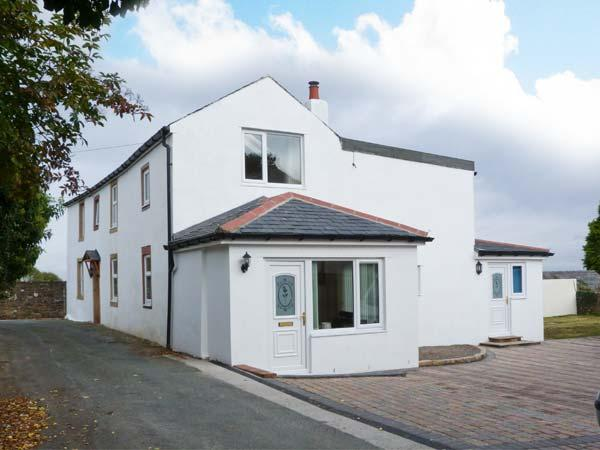 CHURCH VIEW, woodburner, WiFi, hot tub, close to the pub, cottage in Bowness on Solway, Ref. 916682 - Image 1 - Bowness on Solway - rentals