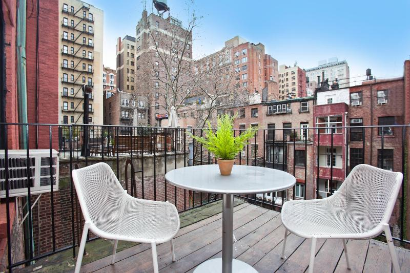 Patio facing Town House Gardens - Grenwich Village Luxury 1 Bedroom with Balcony - New York City - rentals