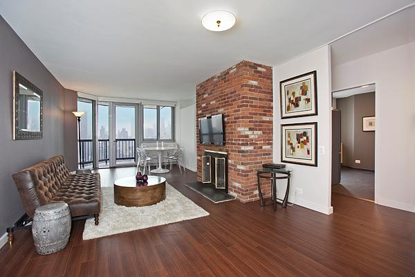 Living Room with Balcony - Five Star Condo with Stunning Views and Balcony! - New York City - rentals