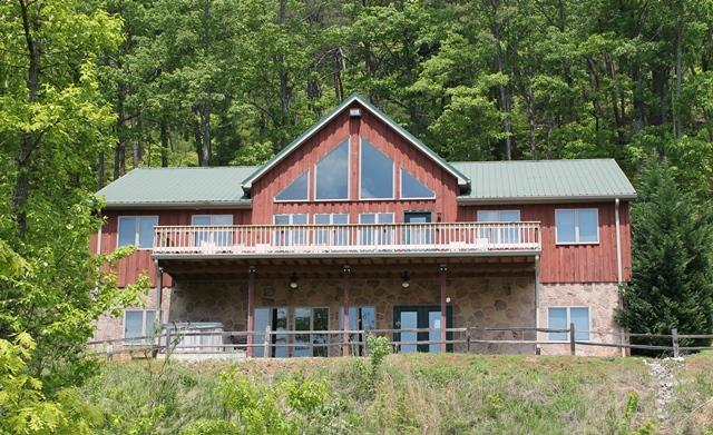 Exterior 1 - Bear Lodge-5 bedrooms with a spectacular mountain view. - Townsend - rentals