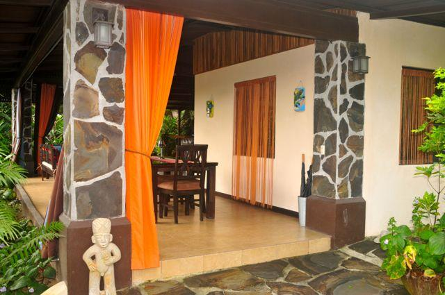 Welcome to your private guesthouse - Villa Hermosa private guesthouse w/pool & gardens - La Fortuna de San Carlos - rentals