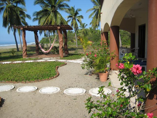 Terrace and shady hammock area - CASA ROSALINDA - Beachfront Villas near Troncones - Troncones - rentals