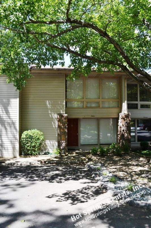 12CalaLn Lake DeSoto | Townhome | Sleeps 6 - Image 1 - Hot Springs Village - rentals