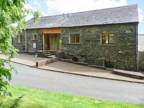 SWALLOW'S NEST, converted barn, ground floor, en-suite facility, gas fire, fabulous views, near Keswick, Ref 914594 - Image 1 - Keswick - rentals