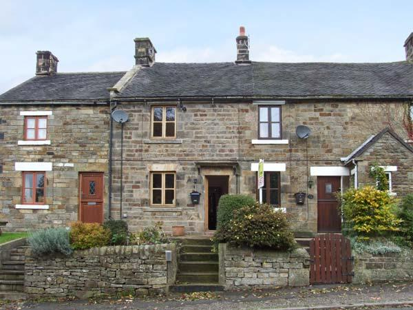TOWN HEAD 1837, mid-terraced cottage, freestanding bath, woodburner, off road - Image 1 - Longnor - rentals