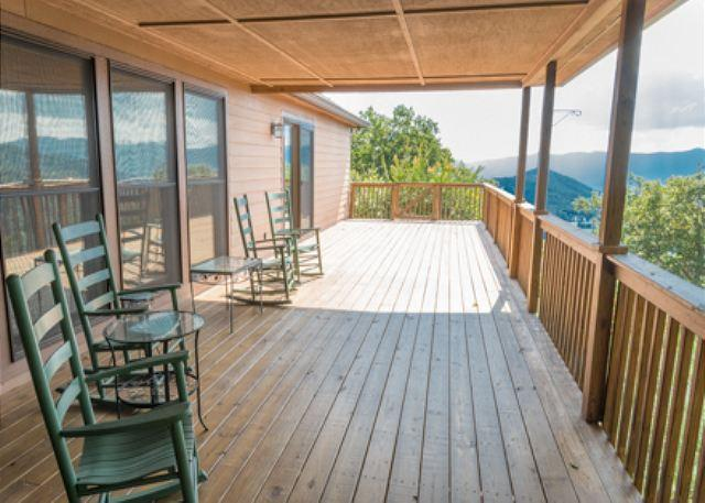 Upper Level Deck - Orchard Knob - Montreat - rentals
