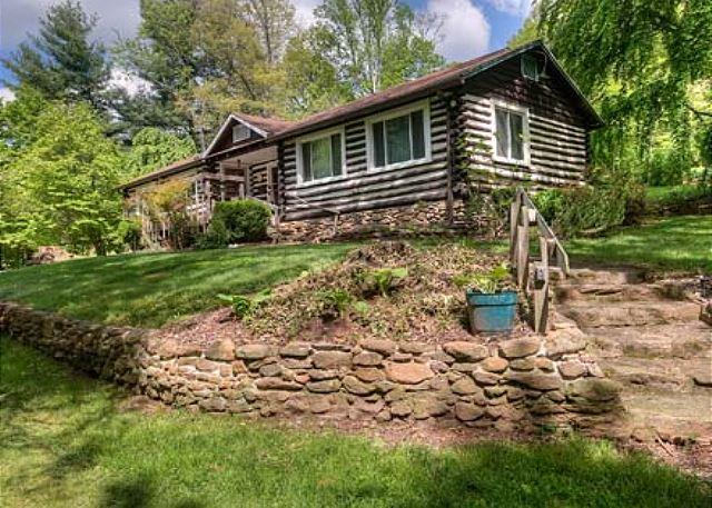 Granny and Pa's Cabin - Granny & Pa's Cabin - Black Mountain - rentals