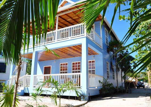 New Beach Front 2 bedroom 1 bath home with private pool, dock, Beach & AC - Image 1 - Caye Caulker - rentals