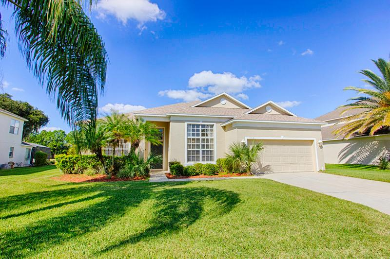 Front of Home - Ridgewood Lakes Frontline Golf Home (1010-RID) - Davenport - rentals