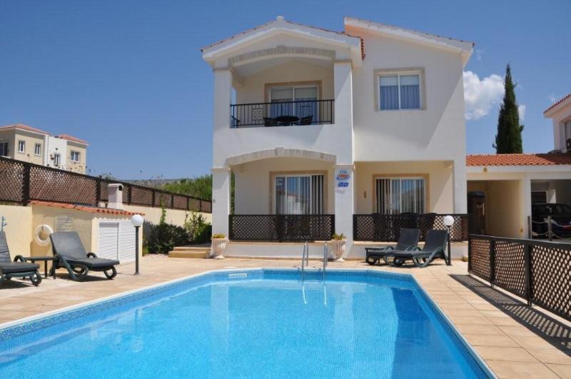 Villa Hannah Coral Bay - Image 1 - Paphos - rentals