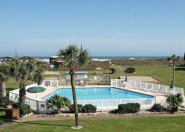 Island Retreat Pool - Surf City; 3/2, Ocean Views, Wifi, Boardwalk to the Beach, POOL - Port Aransas - rentals