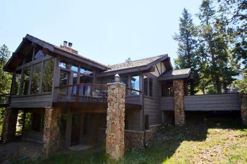 Kelleys Mountain Retreat: Panoramic RMNP Views, 5 Bedrms, Hot Tub, Horseshoe Pit, Wildlife - Image 1 - Estes Park - rentals