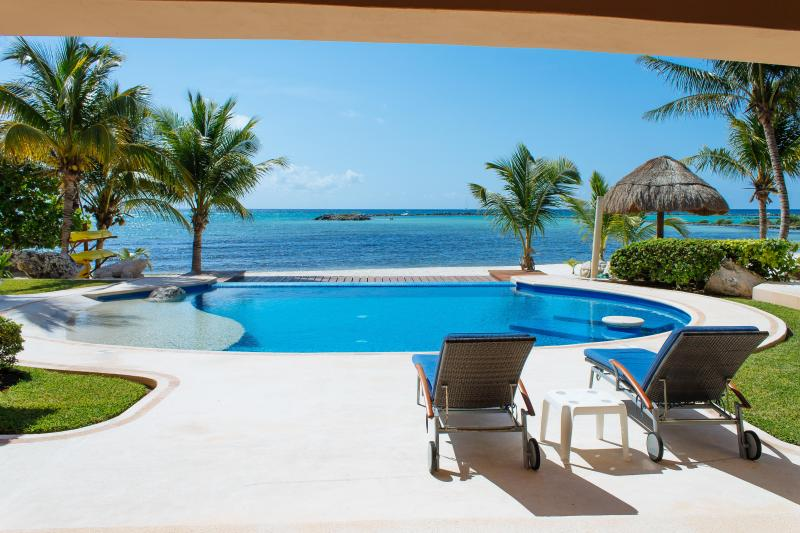 Riviera Maya Haciendas, Villa Nautica - Swimming Pool, Terrace, Chaises Lounges, Beachside  - Riviera Maya Haciendas - Villa Nautica BeachFront / 12 Guests - Puerto Aventuras - rentals