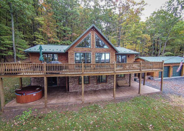 Exterior - Tremendous 4 Bedroom Log Chalet w/ Stunning Mountain & Pastoral Views! - McHenry - rentals