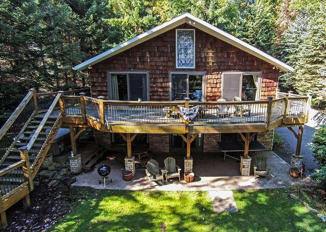 Exterior - Beautiful 4 Bedroom Lakefront home just minutes from the ski slopes! - McHenry - rentals