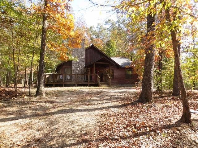 Whisperwind Cabin - beautiful any time of year - here view in Autumn - Whisperwind Cabin-2 bedroom-2 bath! WiFi! Hot Tub! - Broken Bow - rentals