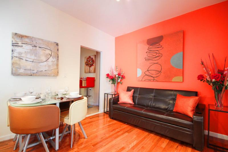 NYC Cozy & Spacious 2 Bedroom  13 Min Time Square - Image 1 - New York City - rentals