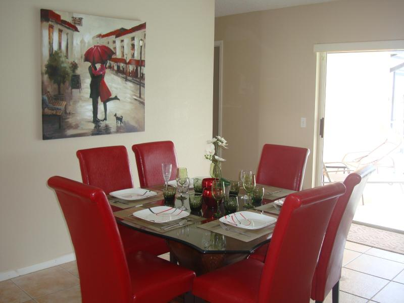 3 Bedroom Sunset Villa, Charming Home with Tennis Court and WiFi - Image 1 - Kissimmee - rentals