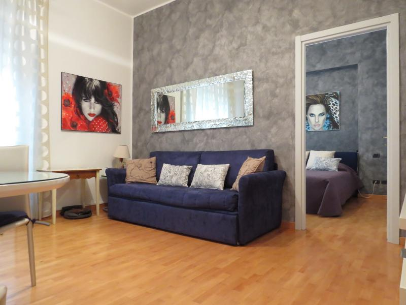 living room with sofa bed - SETTALA - Milan Center Modern Apartment - Milan - rentals