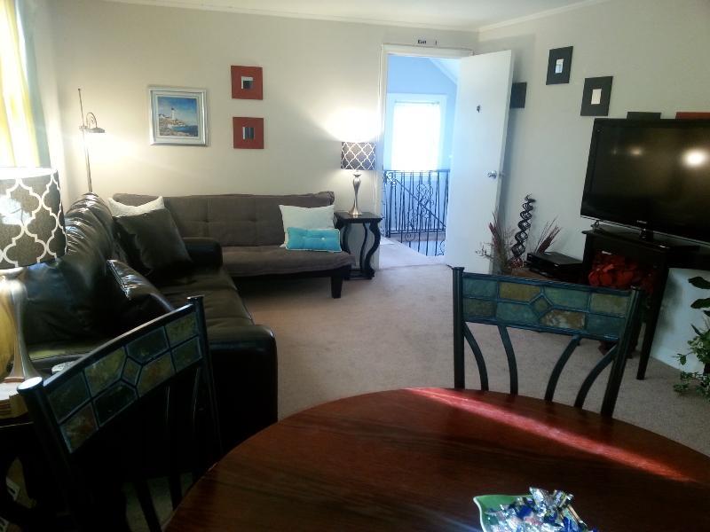 Livingroom - Private apartment nr NY city - all incl & no share - Long Beach - rentals