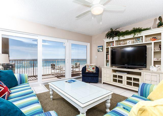 This 3 bedroom unit swarms you with beautiful beachy colors coor - #4011:Get Swept away by the magic of the sea in this GRANDIOSE 3 BR condo! - Fort Walton Beach - rentals