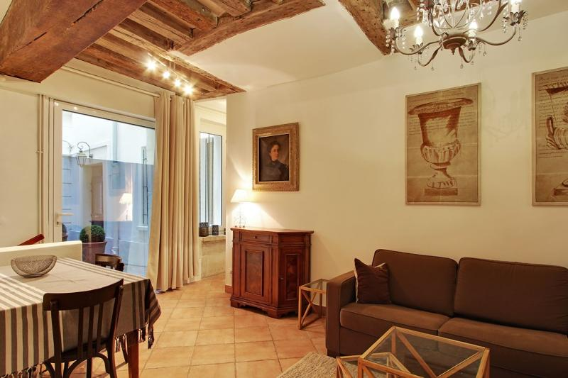 Perfect 2 Bedroom at Grand Augustins in Paris - Image 1 - Paris - rentals