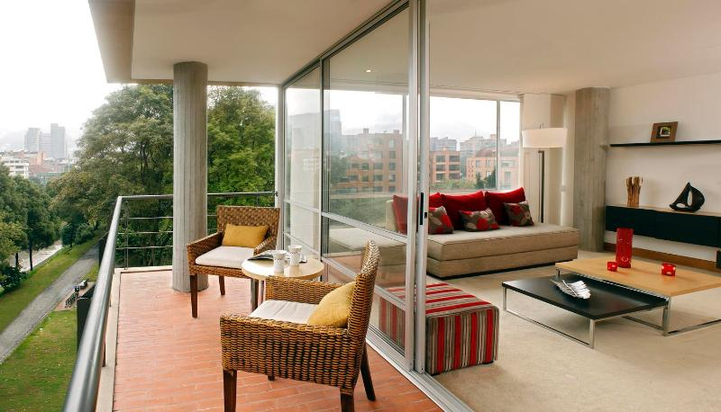 Airy 2 Bedroom Apartment in Santa Paula - Image 1 - Bogota - rentals