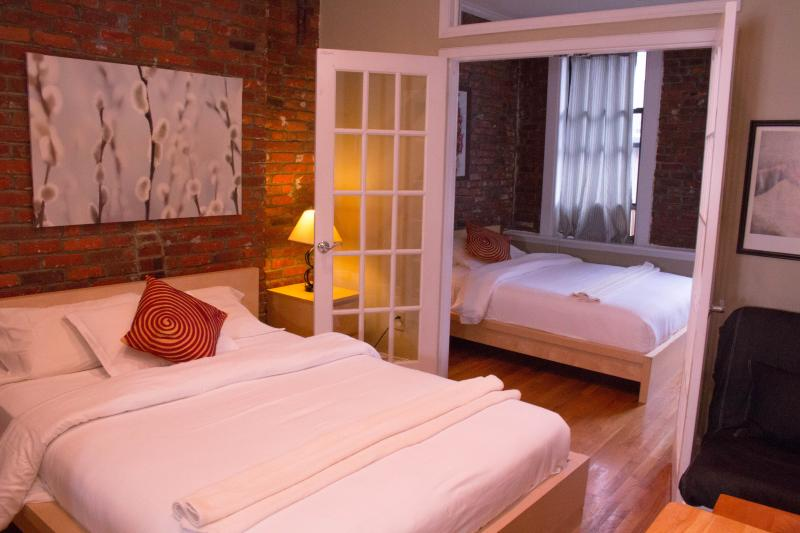 2 queen beds to sleep 4 comfortably - $159/night APRIL SPECIAL Downtown Suite w Rooftop - New York City - rentals