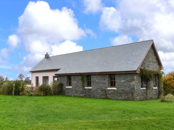 POULNASHERRY LODGE, pet friendly, country holiday cottage, with a garden in Kilkee, County Clare, Ref 4600 - Image 1 - Kilkee - rentals
