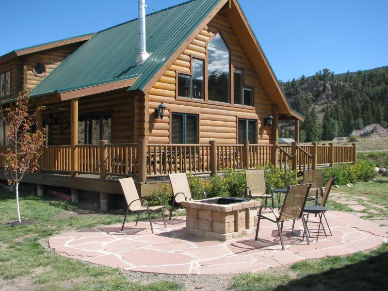 Inviting firepit - Riverfront Log Cabin 17 miles to Wolf Creek Ski - South Fork - rentals