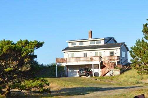 Brownlie's Beach House, Beach Front , 3 BR, Slps 6 - Image 1 - Rockaway Beach - rentals