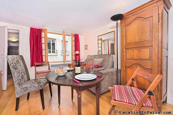 Heart of Paris Studio Charmer - Central Location - Image 1 - Paris - rentals