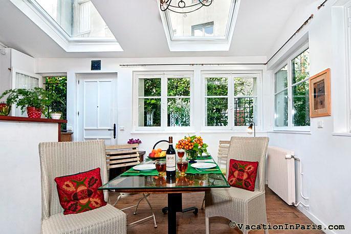 244/garden-cottage-in-central-paris-one-bedroom - Image 1 - Paris - rentals