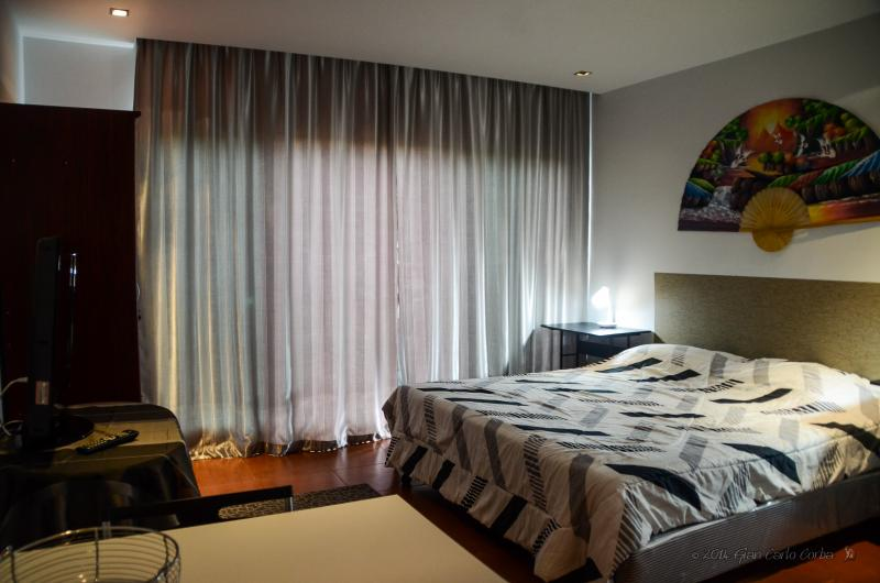 JOMTIEN,100mt FROM THE BEACH,CONDO WITH POOLROOF - Image 1 - Na Chom Thian - rentals