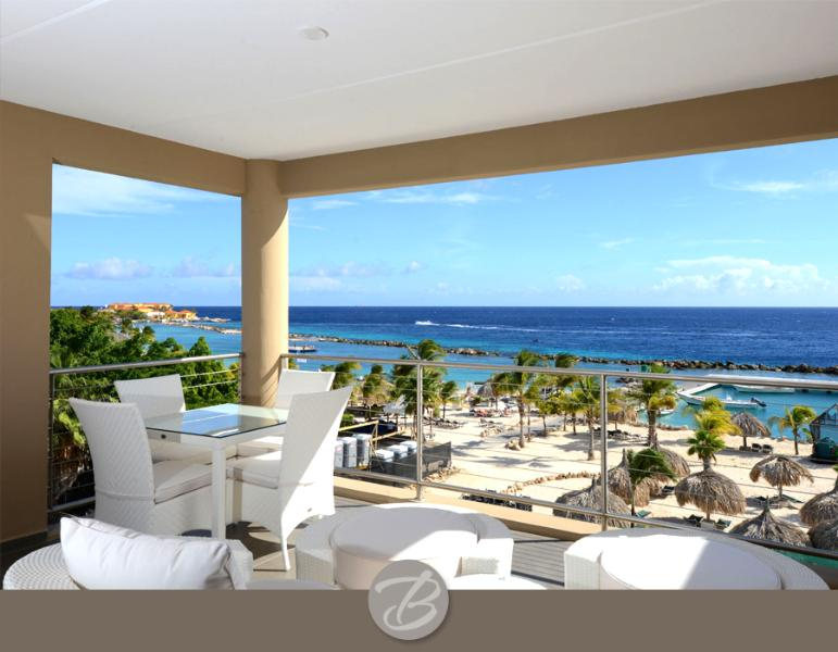 Amazing caribbean luxury with beach front views & 2 min walk to beach - Image 1 - Willemstad - rentals