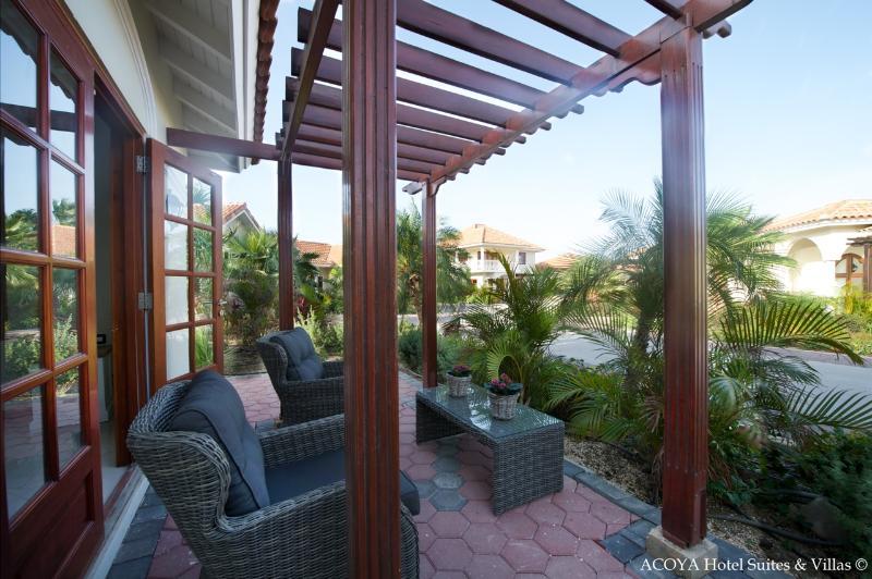 Acoya Villa with Garden Vieuw (2p) - Image 1 - Willemstad - rentals