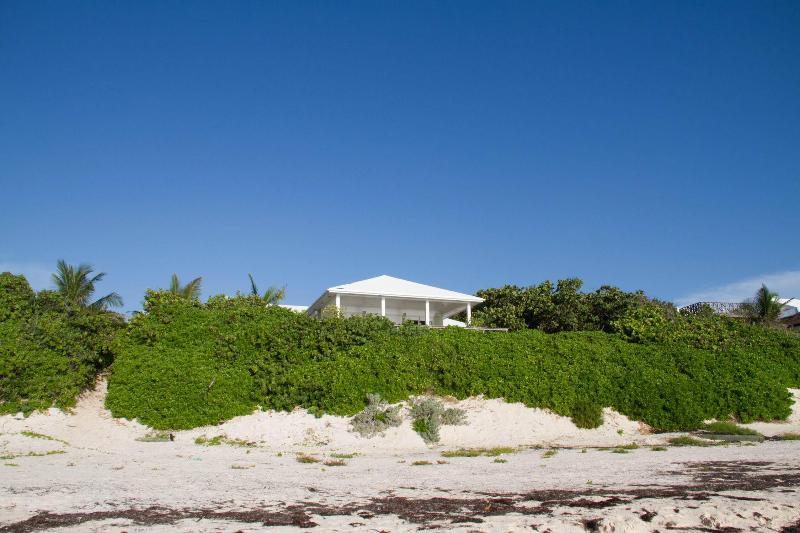 View from the Beach - Wonderful ocean vistas with open floor plan - Harbour Island - rentals