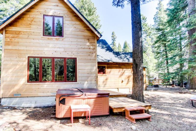 Cottage with private hot tub, close ski and lake access! - Image 1 - Homewood - rentals