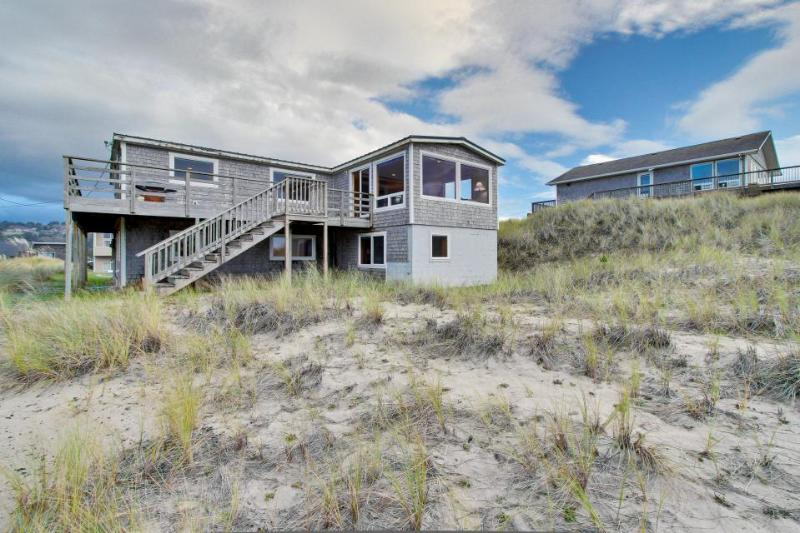 Beautiful, dog-friendly, oceanfront home w/ views of Haystack Rock - Image 1 - Pacific City - rentals