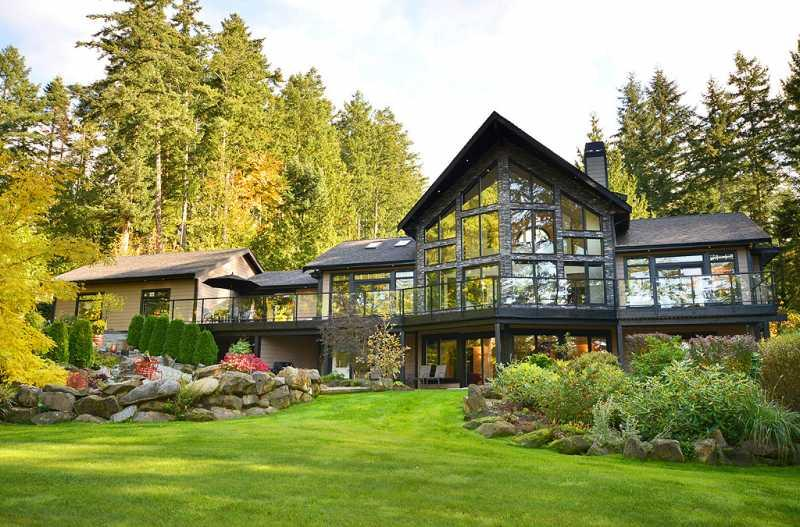 West Coast Living at its finest - Spectacular 5 Bedroom Luxury Home on One Acre - Sidney - rentals