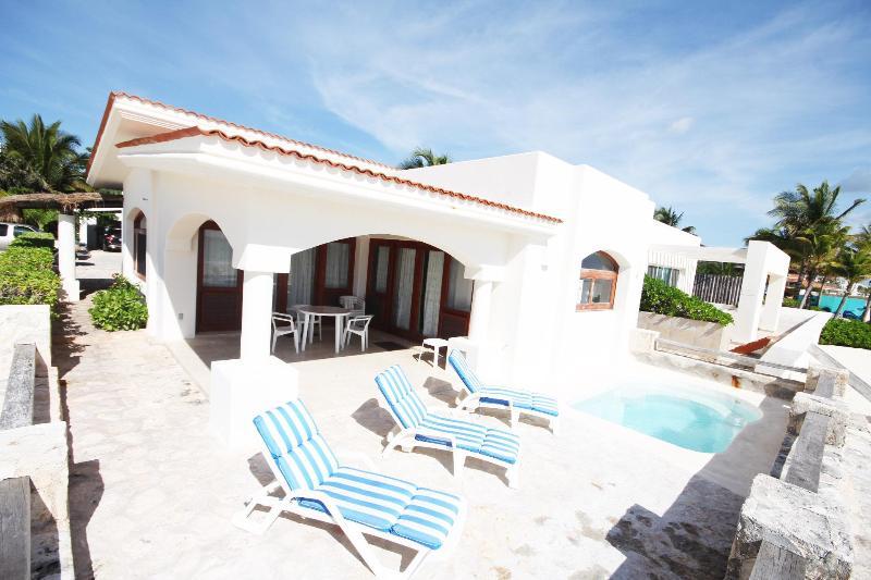 Beach Front Villa in Playa del Carmen (orilla) - Image 1 - Playa del Carmen - rentals