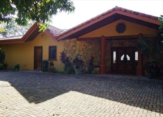 Welcome to Casa Azulonda - Casa Azulonda - Stunning View, 3 Bedroom - Two Master Suites, Swim-up Bar. - Playa Hermosa - rentals