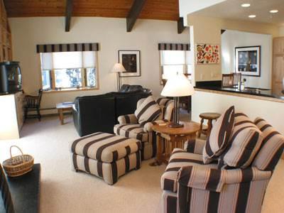 Creekside Penthouse, 3BD+loft - Image 1 - Vail - rentals