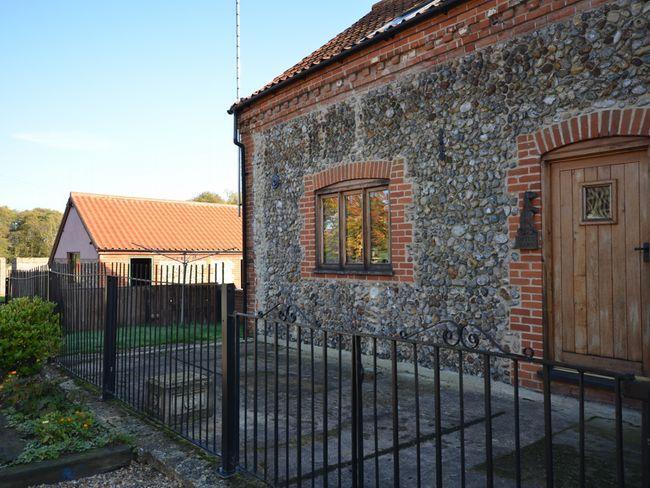 View towards the property - OTTN8 - Norfolk - rentals